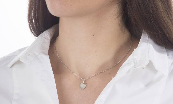 collier coeur avec prénom gravé